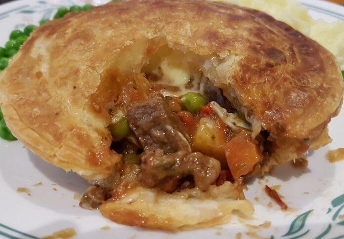 Beef & Mushroom Ragout Pie